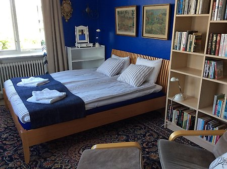 The blue room Skomakarstans Bed & Breakfast Örebro